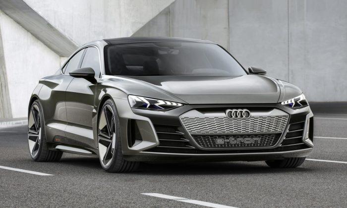 Audi ukázalo studii připravovaného elektrického kupé e-tron GT concept