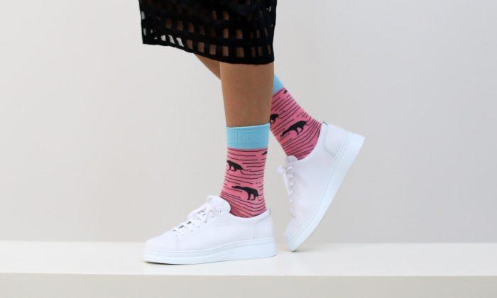 We Are Ferdinand má nové extravagantní ponožky odElišky Podzimkové aMichala Bačáka