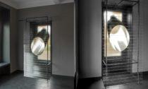Ukázka z výstavy Emma Woffenden a Petr Stanický: Contact – Isolation