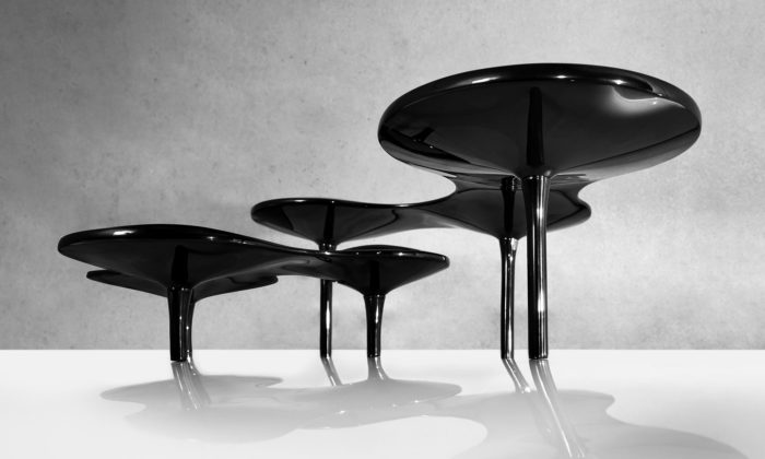 Zaha Hadid Design rozšiřuje kolekci organických objektů omísy inápojový set