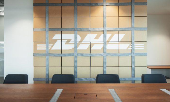 DHL má za Prahou nové kanceláře spříčkami zkrabic ikusy kontejnerů