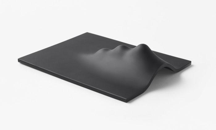Japonské studio Nendo navrhlo pro český Lasvit čtveřici minimalistických skleněných příšer