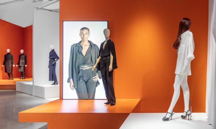 Švédsko hostí výstavu Margiela ukazující jeho revoluční módu zpro Hermès