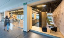 Kavárna s čítárnou na stavební fakultě ČVUT v Praze od ZOAA