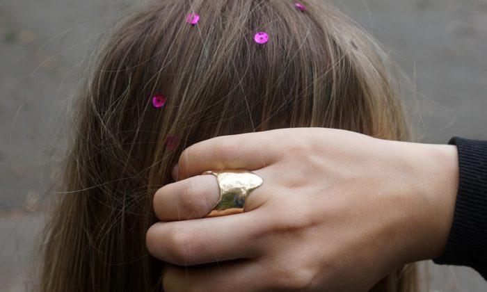Chewingarden Jewellery jsou šperky působící jakoby byly zpracovány přímo prsty