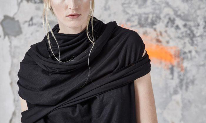 Eiri navrhla módní kolekci najaro aléto 2019 sšaty atopy včerné barvě