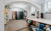 Pražský obchod Textile Mountain  sudržitelným textilem agalanterií