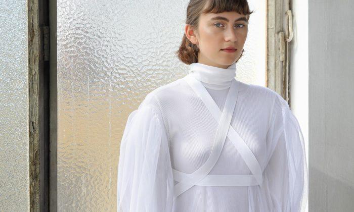 Studentky oděvního návrhářství navrhli módní kolekci tvarovanou střihovou modelací