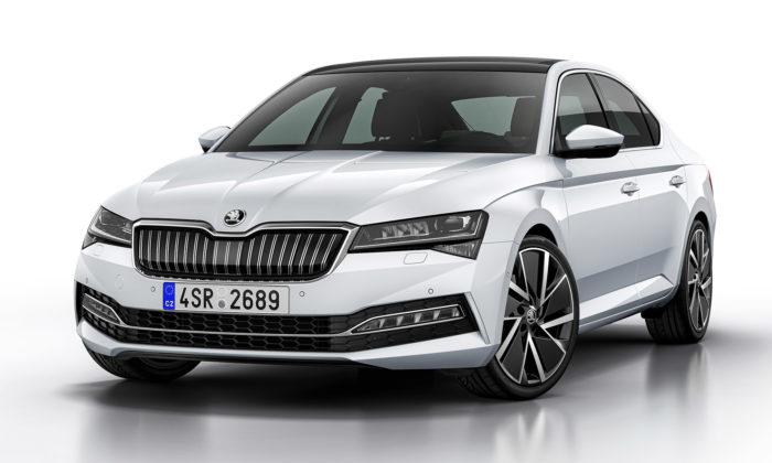 Škoda odhalila nový Superb jen svelmi decentními změnami vdesignu