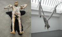 Christian Holstad, Koupající se (karamel), 2017 a Paloma Varga Weisz, Padající žena (Dvouhlavá), 2004