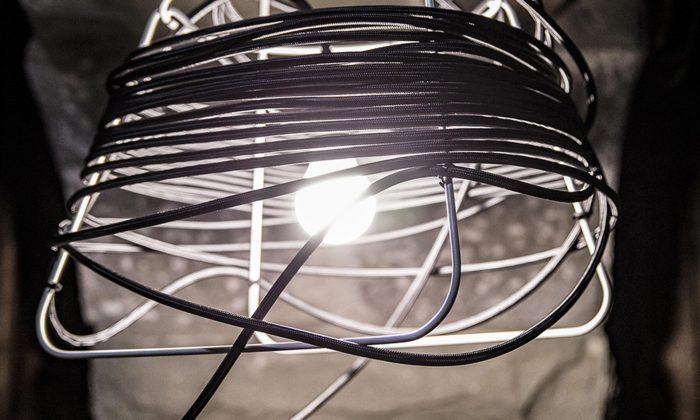 Soutěž Werk Design vyhrálo přenosné svítidlo Industrial Beauty odMichaela Rosy
