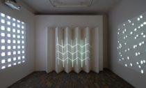 Výstava Zvuky, Kódy, Obrazy spodtitulem Akustický experiment vevizuálním umění