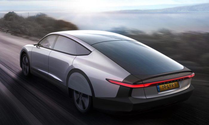 Lightyear One jeprvní elektrické auto poháněné solární energií