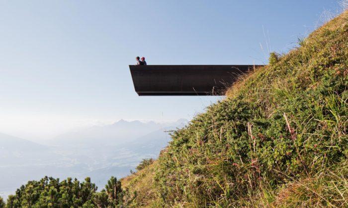 Snøhetta postavila nahorské stezce nad Innsbruckem sérii rozhleden