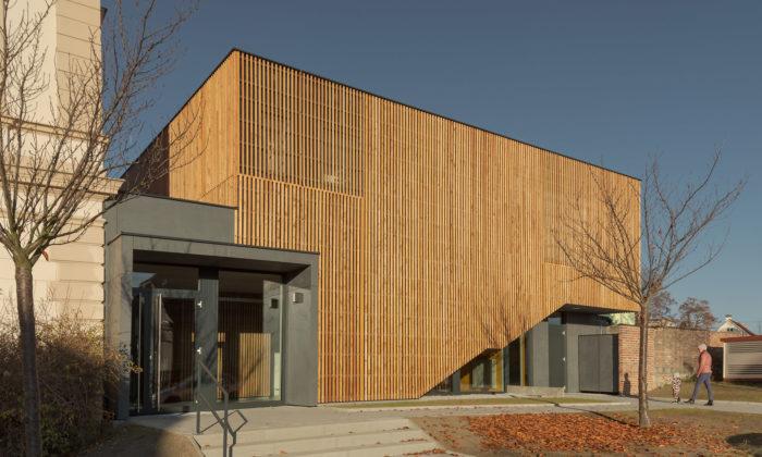 V Újezdu uPlzně přistavěli kzákladní škole moderní školní družinu