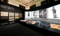 Ukázka z výstavy Šílený hedvábník. Zika & Lída Ascher: textil a móda