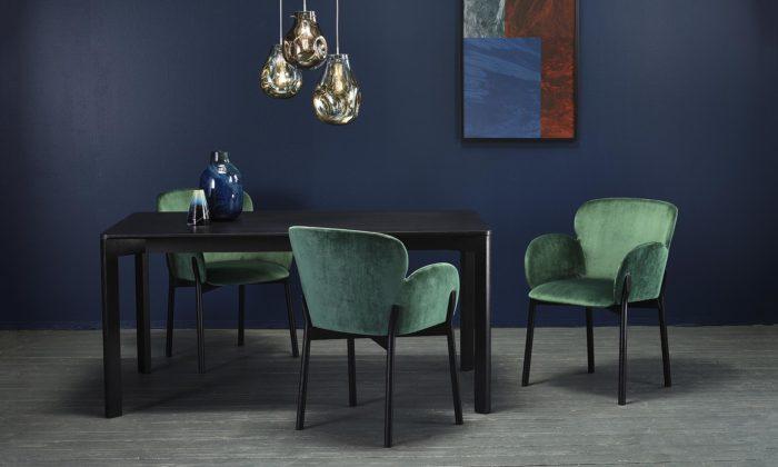 Španělské studio Yonoh navrhlo pro Ton organicky tvarovanou židli Ginger