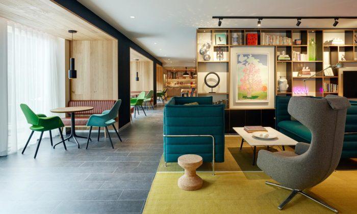 V Amsterdamu přestavěli 90 let starou banku namoderní hotel CitizenM Amstel