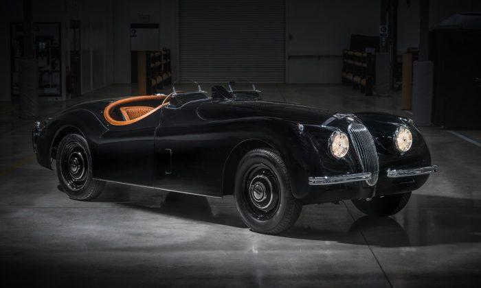 Jaguar renovoval anamíru upravil roadster XK120 zroku 1954