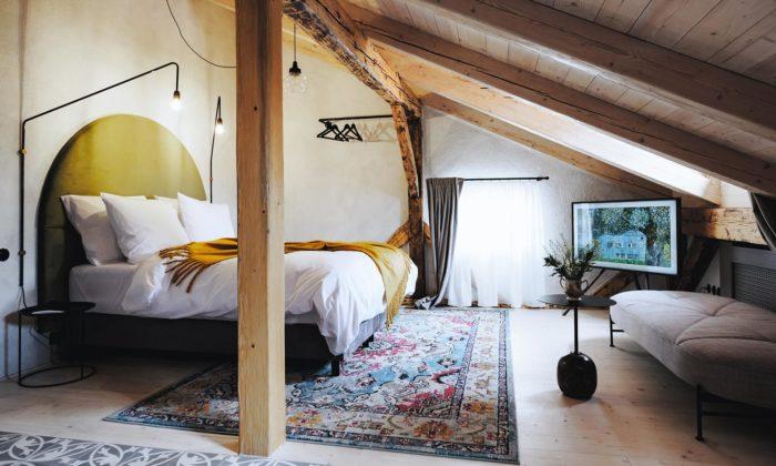 Historický dům vČeském Krumlově seproměnil naútulný hotel Monastery Garden