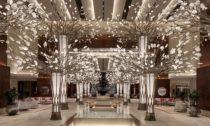 Instalace Canopy of Light odčeské značky Preciosa vhotelu Mandarin Oriental Jumeira