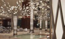 Instalace Canopy of Light od české značky Preciosa v hotelu Mandarin Oriental Jumeira
