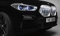 BMW X6 opatřené černým nástřikem Vantablack