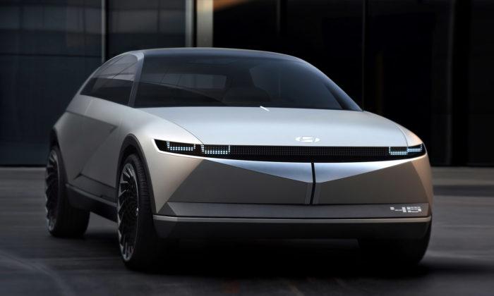 Hyundai ukázalo futuristický koncept 45 sostrými liniemi aretro nádechem