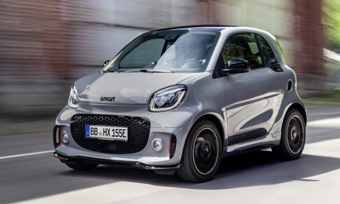 Městská vozítka Smart dostala inovovaný design ačistě elektrický pohon