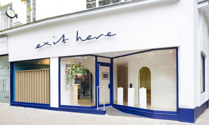 V Londýně otevřeli pohřební službu Exit Here smoderním interiérem islužbami