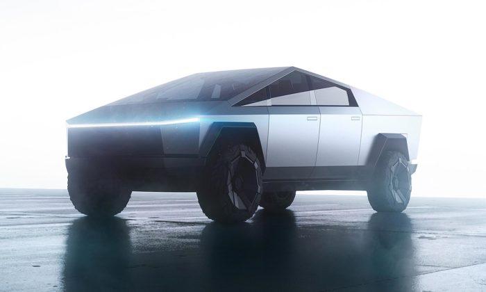 Tesla představila pick-up Cybertruck kombinující retro ifuturistický design