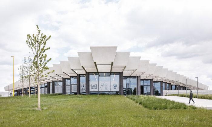 Adidas otevřel vNěmecku novou víceúčelovou centrálu spředváděcím centrem