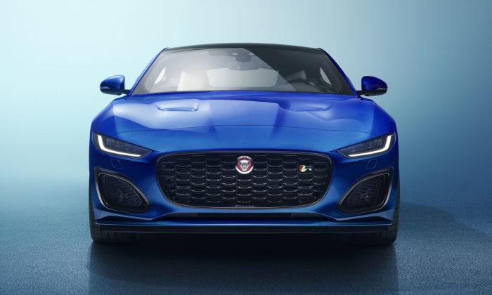 Jaguar modernizoval sporťák F-Type adal mu novou příď iúzké světlomety
