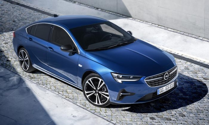 Opel omladil vlajkový model Insignia adal mu novou masku isvětlomety