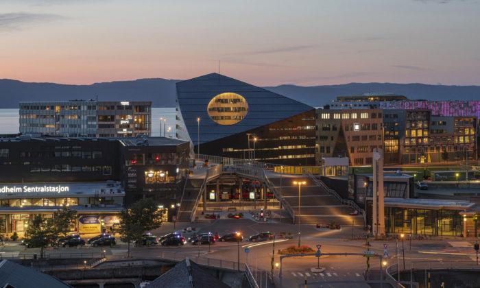 Kancelářská budova sdírou vTrondheimu jeenergeticky pozitivní stavbou