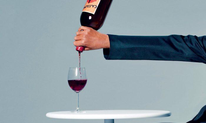 Německo vystavuje vývoj designu objektů denní potřeby jako láhev navíno