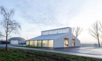 Novostavba dílen vobci Opatov odAtelieru 111 architekti