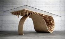 Stelios Mousarris a jeho jídelní stoly a kávové stolky