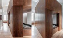 Dřevěný budoár pro tři Tri-Pod od Scott Whitby Studio