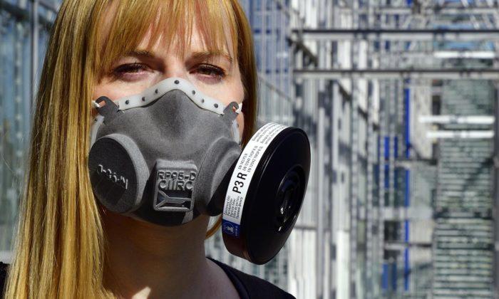 Na ČVUT za týden vyvinuli nový typ respirátoru vyráběný na3D tiskárnách