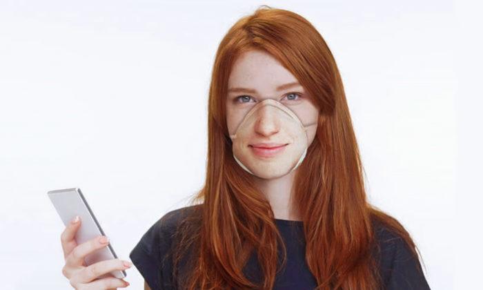 Americká designérka navrhla ochranné masky spotiskem vlastního obličeje