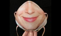 Danielle Baskin a její Face ID Mask pro společnost Resting Risk Face