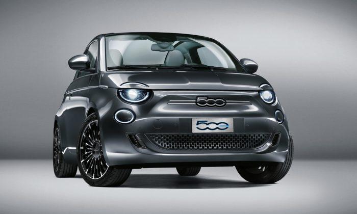 Nová generace Fiat 500 přichází vedicích slavných značek ijako elektromobil