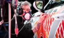 Claudia De Sabe a tetovaný vůz Lexus UX