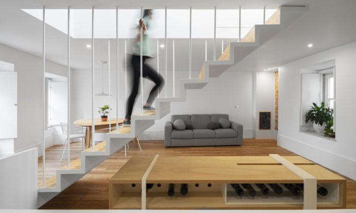 Historický rodinný dům vportugalském Leiria dostal moderní asvěží interiér