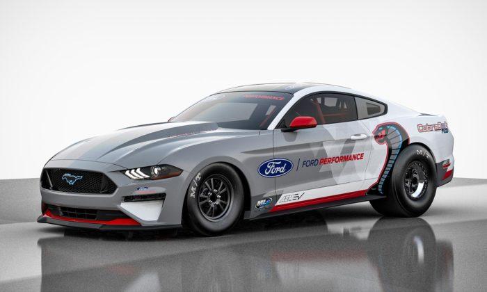 Ford Performance testuje elektricky poháněný dragster Mustang Cobra Jet 1400