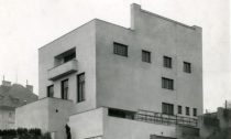 Ukázka zvýstavy Raumplan asoučasná architektura