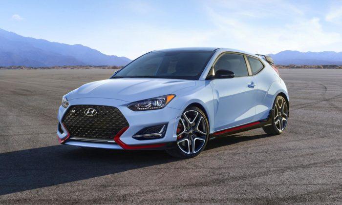 Hyundai vylepšil svůj sporťák Veloster N apřidal mu atmosféru iněco zvideoher