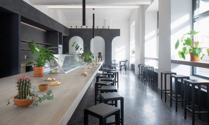 Praha nechala vpřízemí Kafkova domu vybudovat kavárnu avpodzemí galerii