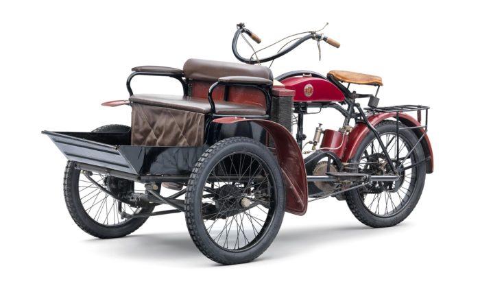 Škoda Auto připomíná usvého výročí 125 let tříkolku Laurin & Klement LW